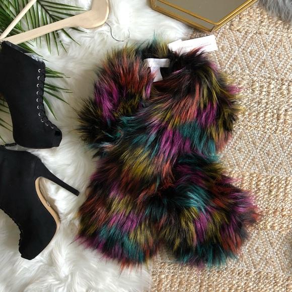 c3f3beb327eb NWT Adrienne Vittadini Multicolored Faux Fur Stole
